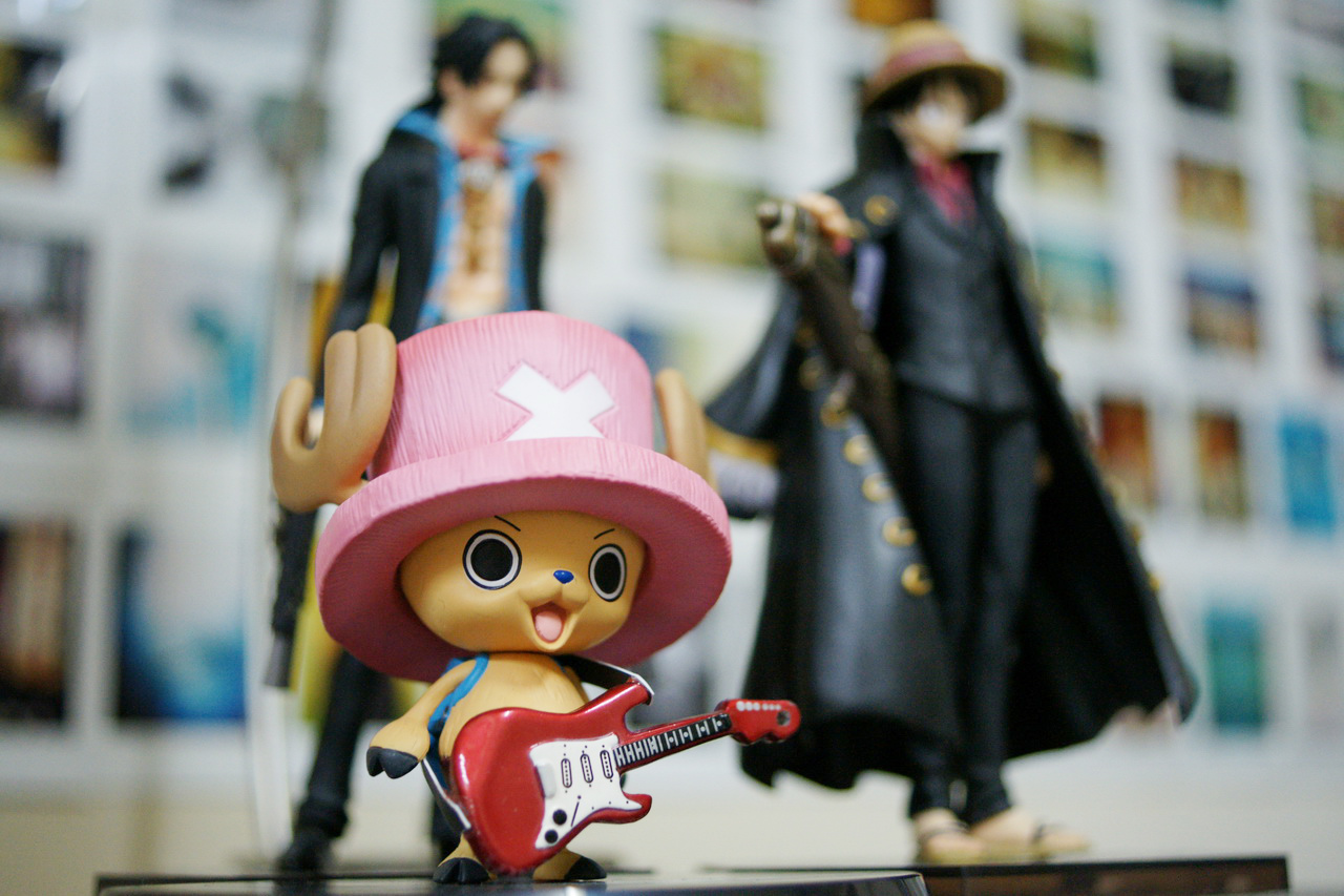 Chopper the Guitar Virtuoso with Bodyguards